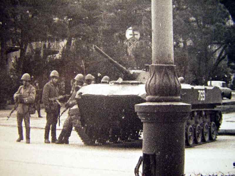 Baku'de 20 Ocak 1990 tarihinde bagimsizlik mucadelesi veren Azerbaycanlilarin Sovyet askerleri tarafindan hunharca katledilmesini fotograflayarak belgeleyen Rasim Sadigov, olaydan 26 yil gecmesine ragmen faciani hala ruyalarinda gordugunu soyledi.
