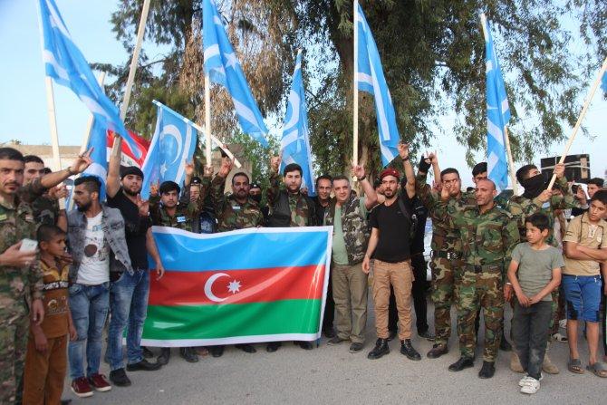 irakin-kerkuk-sehrinde-toplanan-bir-grup-turkmen-milis-azerbaycandaki-002